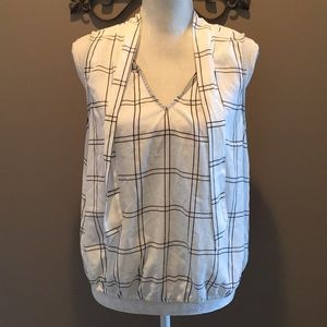 NWT. Do you ladies top